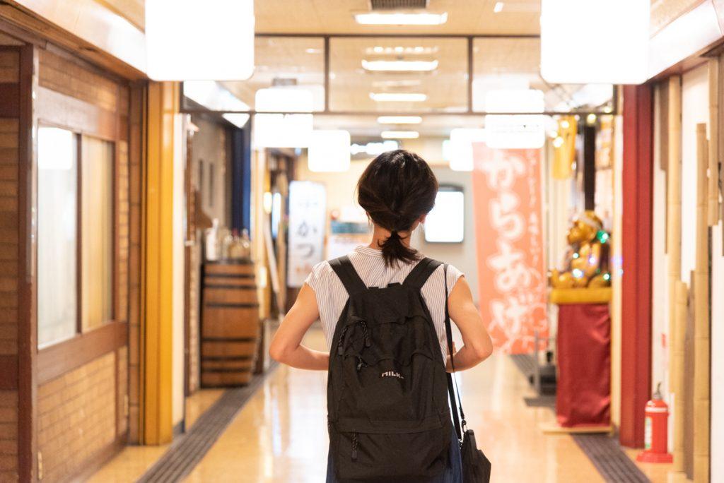枚方市駅直結の商業施設サンプラザ3号館の地下へ!居酒屋を探す