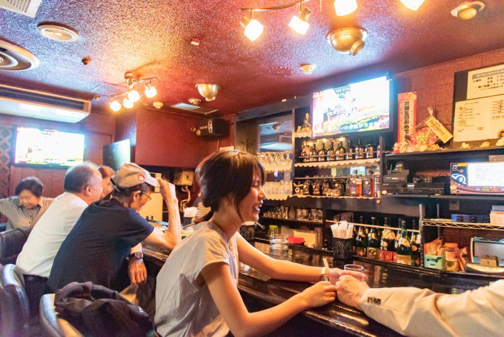 枚方市駅直結の商業施設サンプラザ3号館の居酒屋「わいわいスタジオ MATSURI(スナック)」